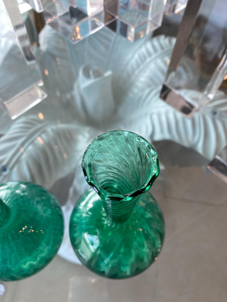 Hollywood Regency Vintage Pair of Murano Glass Emerald Green Bud Vases For Sale