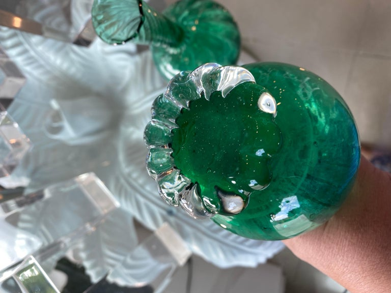 Vintage Pair of Murano Glass Emerald Green Bud Vases In Good Condition For Sale In West Palm Beach, FL