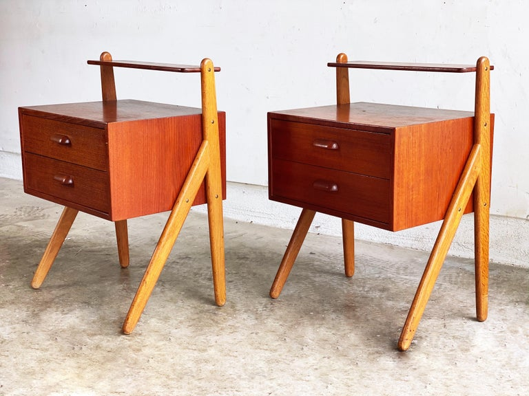 Vintage Pair of Nightstands by Sigfred Omann for Olhom Møbelfabrik, 1960s In Good Condition For Sale In San Antonio, TX