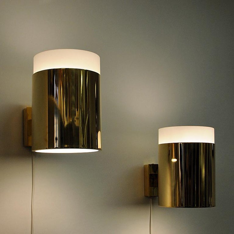 Vintage Pair of Opaline Glass and Brass Falkenberg Wall Lamps, Sweden, 1960s In Good Condition For Sale In Stockholm, SE