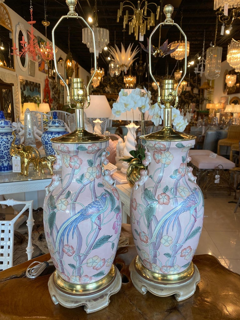 Vintage Pair of Pale Pink Bird Floral Chinoiserie Ginger Jar Table Lamps For Sale 5
