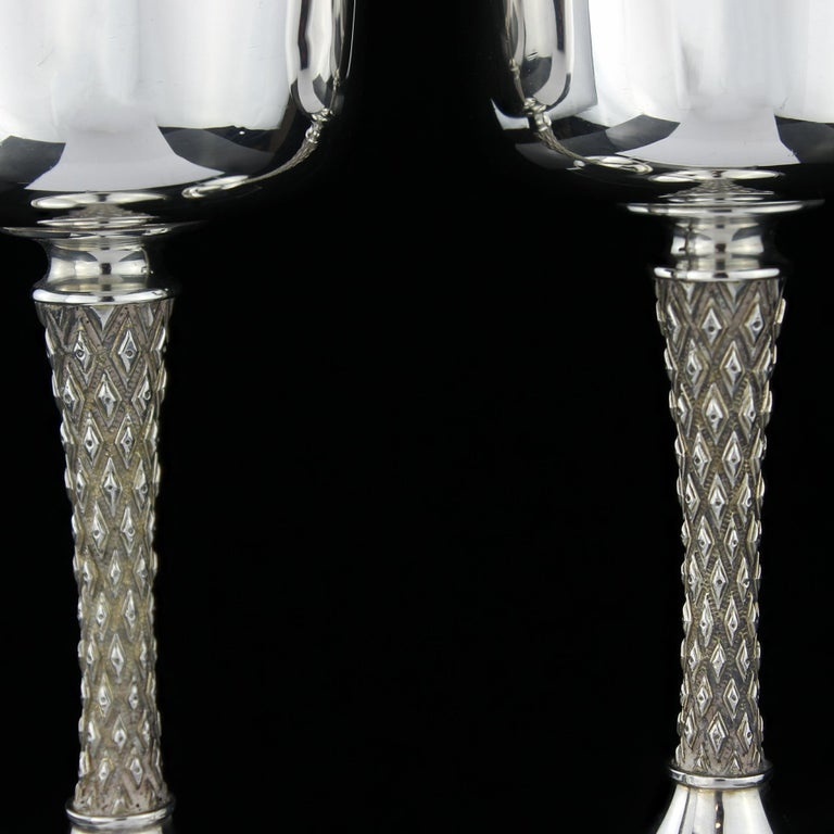 British Vintage Pair of Sterling Silver Goblets, Garrard & Co, Designed by Anthony Elson For Sale
