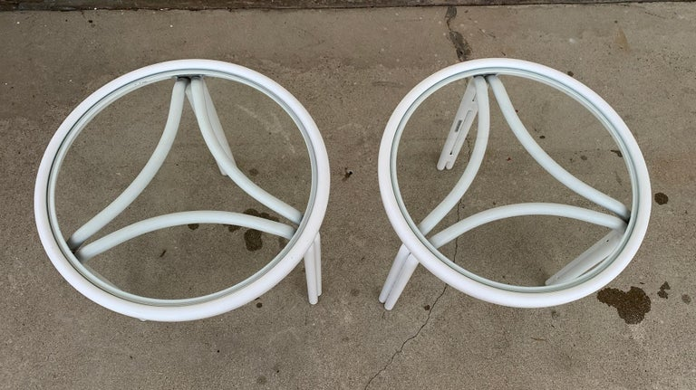 Mid-Century Modern Vintage Pair of Tamiami Side Tables in White Metal and Glass Tops For Sale