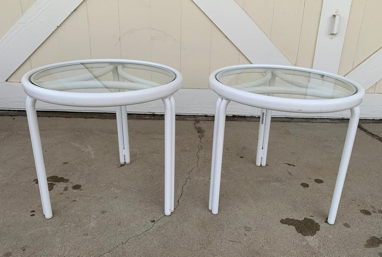 American Vintage Pair of Tamiami Side Tables in White Metal and Glass Tops For Sale