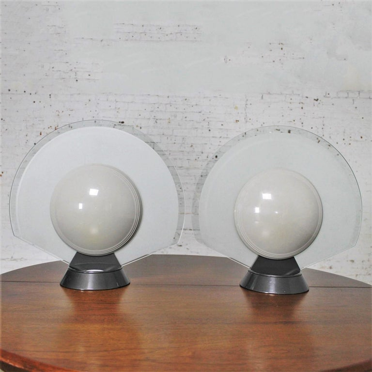 Vintage Pair Tikal 1555 Table Lamps by Pier Giuseppe Ramella for Flos-Arteluce  In Good Condition For Sale In Topeka, KS