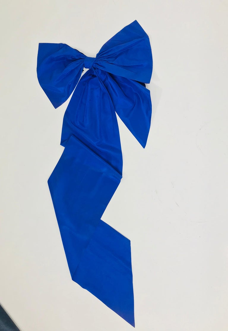 Vintage Patrick Kelly Paris Big Blue Taffeta Bow 1980s In Good Condition For Sale In West Palm Beach, FL