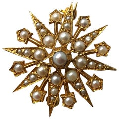 Vintage Pearl and 9 Carat Gold Star Brooch or Pendant