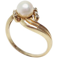 Vintage Pearl and Diamond 10K Gold Ring Band, Size US 7