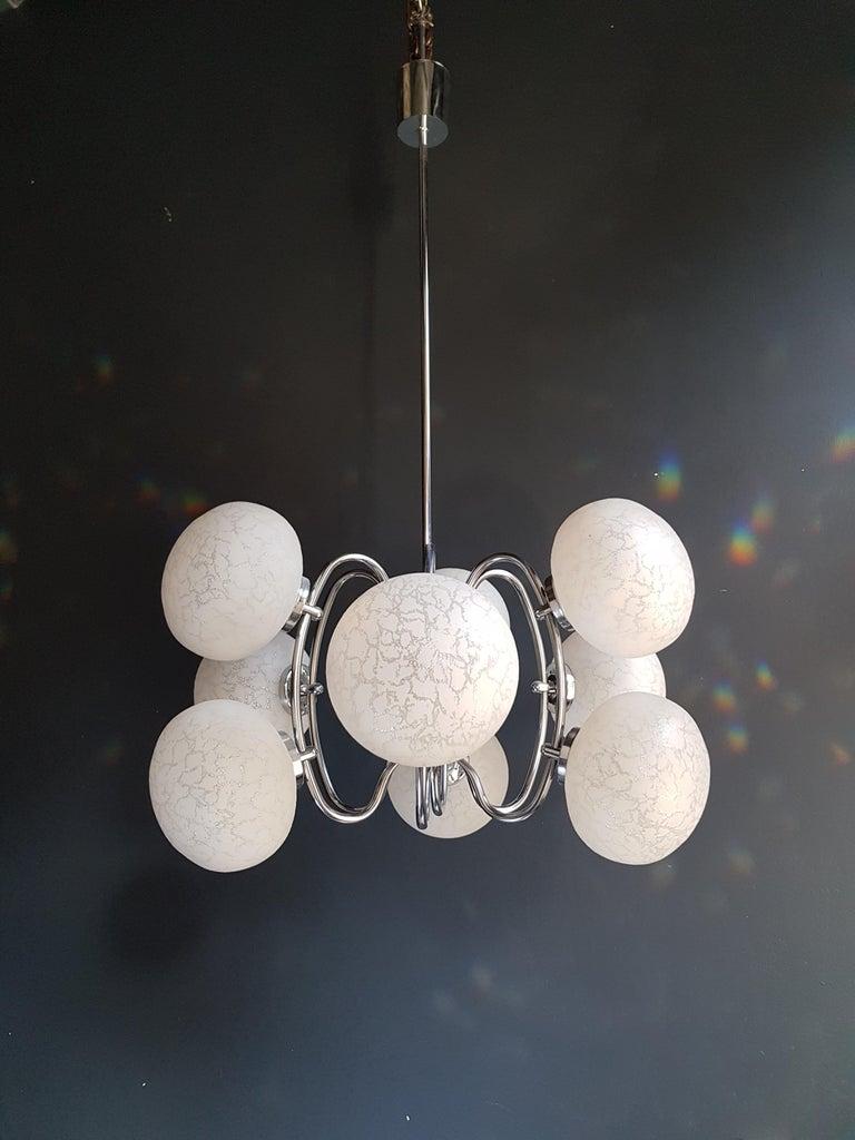 Vintage Pendant Chandelier 1970s Space Age Ufo Atom Lamp White Chrome For Sale 2