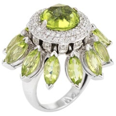 Vintage Peridot Diamond Movable Ring 18 Karat Gold Cocktail Statement Jewelry