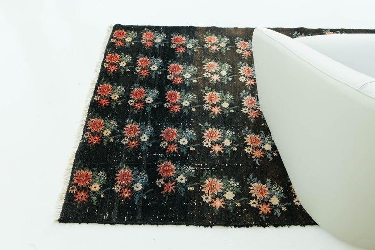 Vintage Persian Bakhtiari Rug For Sale 5