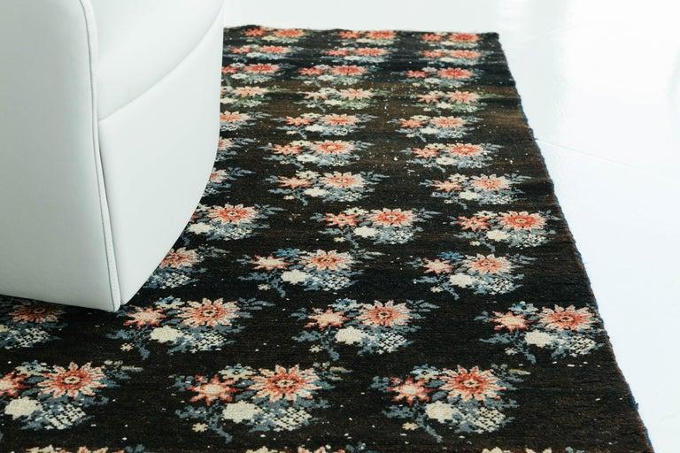 Vintage Persian Bakhtiari Rug For Sale 8