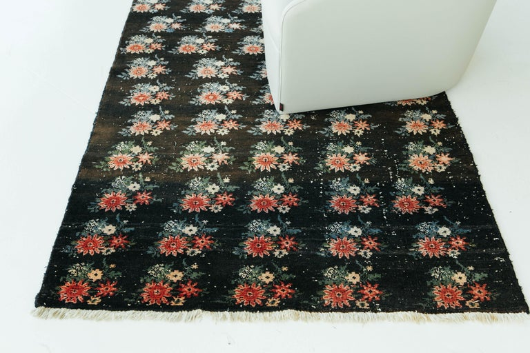 Vintage Persian Bakhtiari Rug For Sale 3