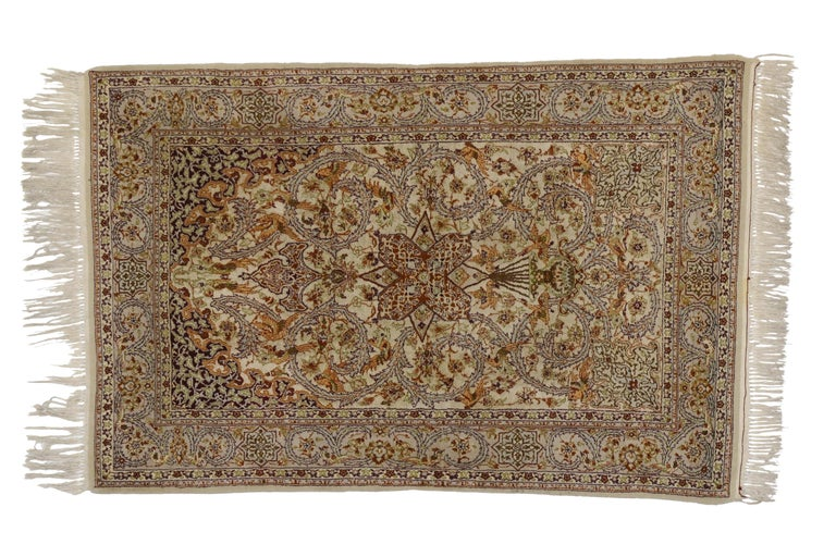 Vintage Persian Isfahan Prayer Rug, Islamic Art Wall Hanging Tapestry In Excellent Condition For Sale In Dallas, TX