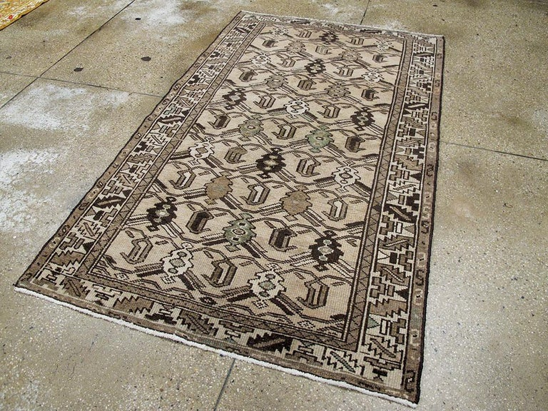 Vintage Persian Malayer Rug In Excellent Condition For Sale In New York, NY