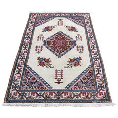Vintage Persian Tabriz Pure Wool Excellent Condition Hand Knotted Oriental Rug