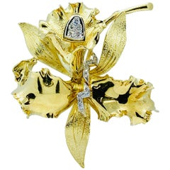 Vintage Peter Lindeman 18 Karat Yellow Gold and Diamond Floral Brooch