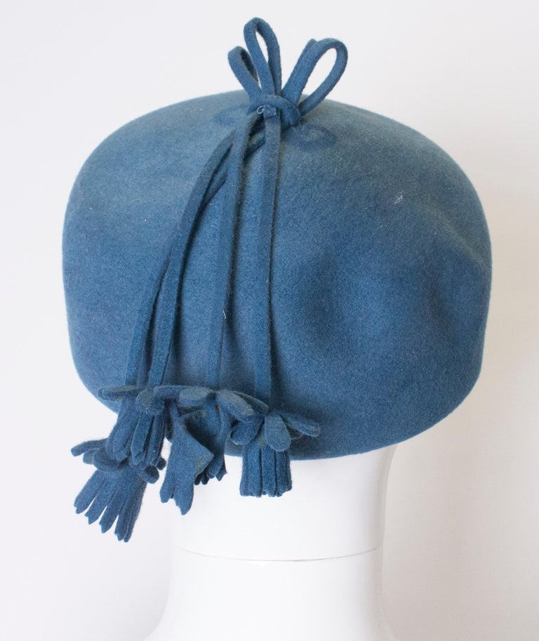 Vintage Petrol Blue Felt Hat In Good Condition For Sale In London, GB