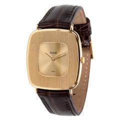 Vintage Piaget Dress 99121 Unisex Watch in 18 Karat Yellow Gold