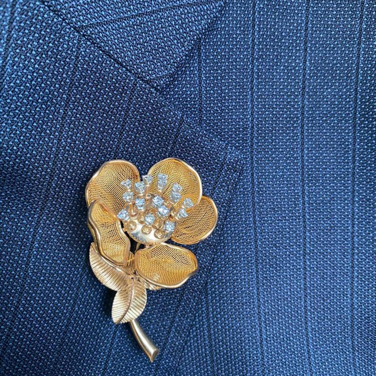 Round Cut Vintage Piaget Gold and Diamond Flower Suite, circa 1960 For Sale