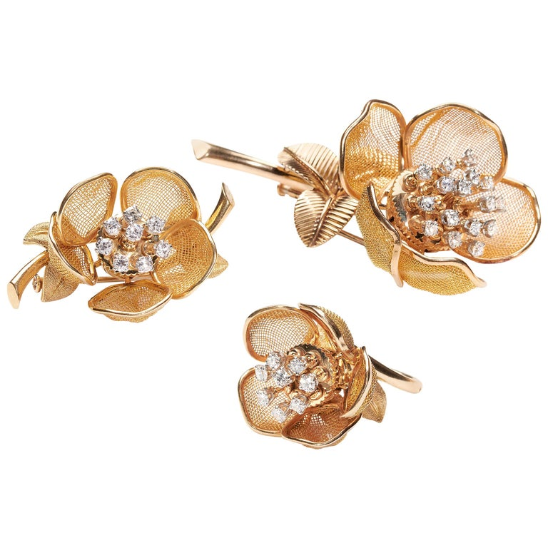 Vintage Piaget Gold and Diamond Flower Suite, circa 1960 For Sale