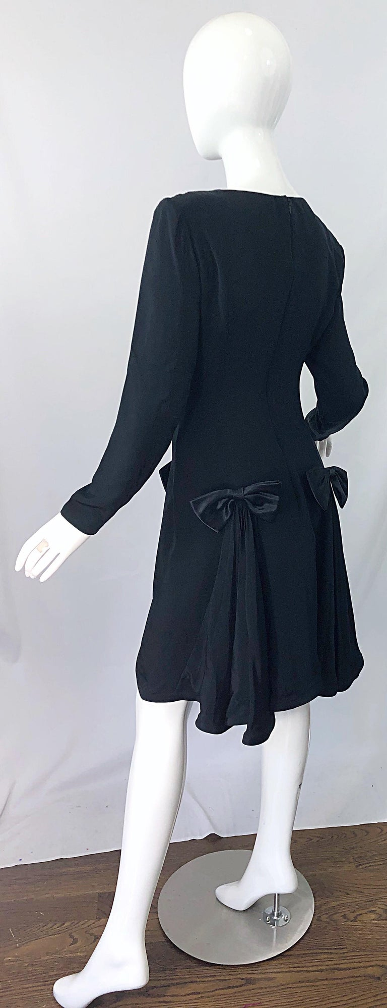 Vintage Pierre Cardin Size 8 Black Silk 1990s Long Sleeve 90s Bow Dress For Sale 7