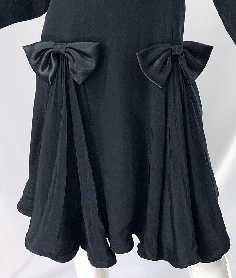 Women's Vintage Pierre Cardin Size 8 Black Silk 1990s Long Sleeve 90s Bow Dress For Sale