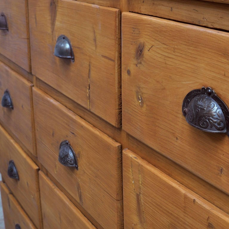 Vintage Pine Chest of Drawers, 1940s For Sale 4