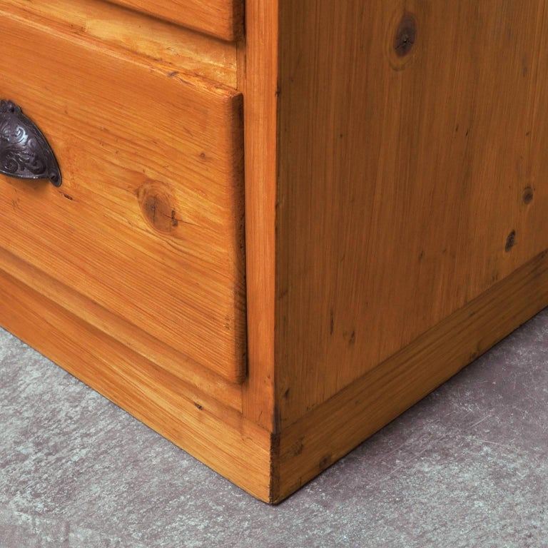 Vintage Pine Chest of Drawers, 1940s For Sale 1
