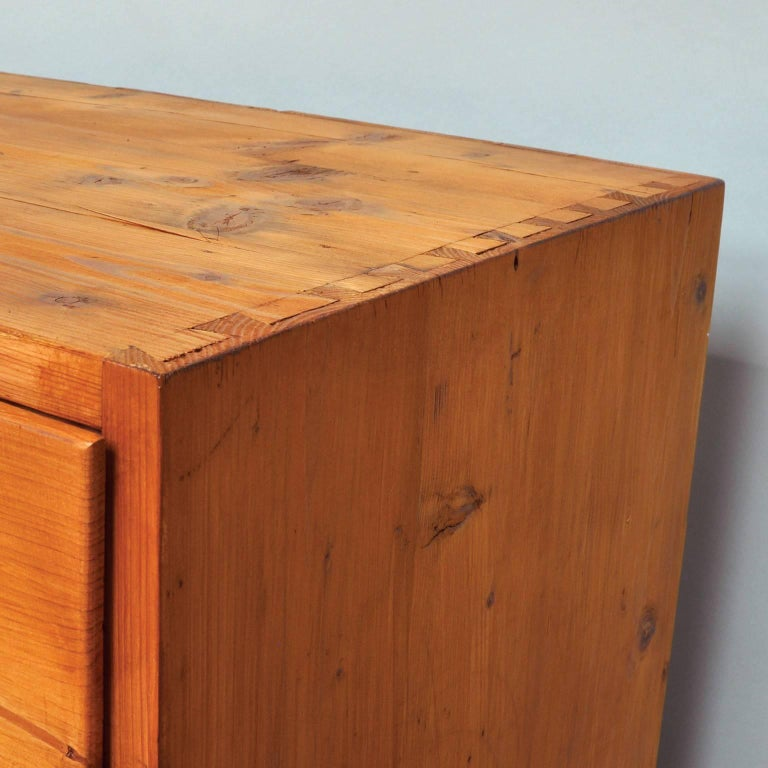 Vintage Pine Chest of Drawers, 1940s For Sale 2