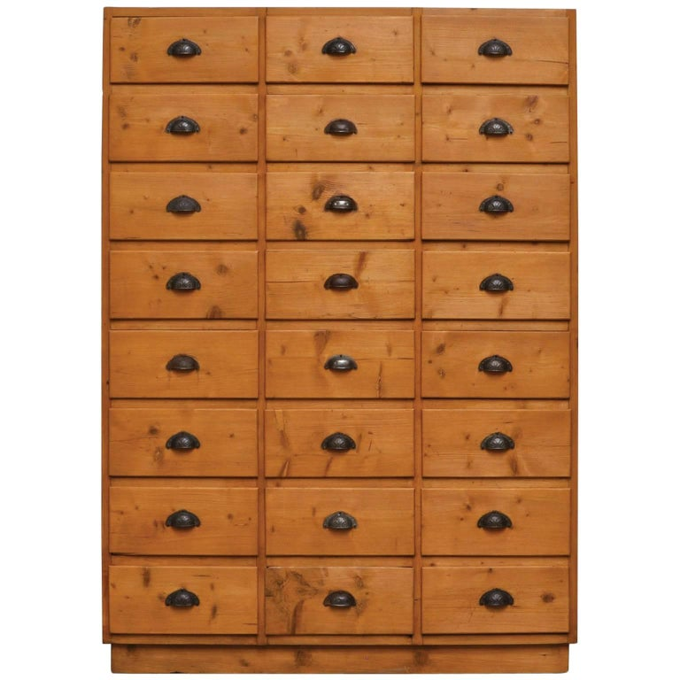 Vintage Pine Chest of Drawers, 1940s For Sale