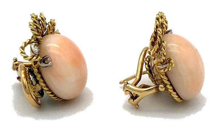 Round Cut Vintage Pink Coral Diamond 18 Karat Gold Platinum Earclips For Sale