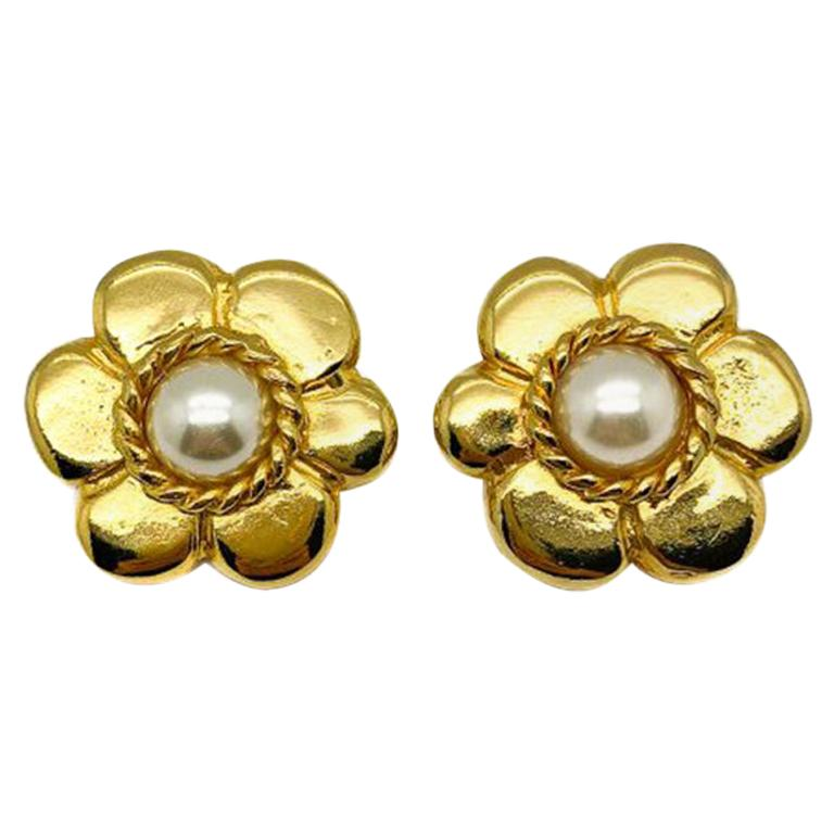Vintage Pinky Paris Gold & Pearl Flower Earrings 1980s For Sale