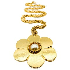 Vintage Pinky Paris Gold & Pearl Flower Necklace 1980s