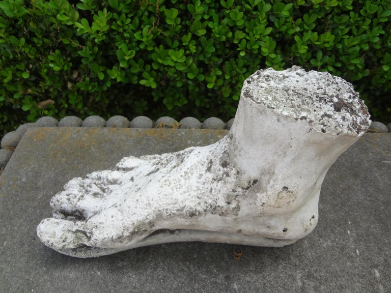 Great well detailed Neoclassical Roman style plaster foot sculpture of Hercules. This vintage Italian academic plaster foot sculpture would look excellent in a Postmodern, Hollywood Regency or Neoclassical interior.