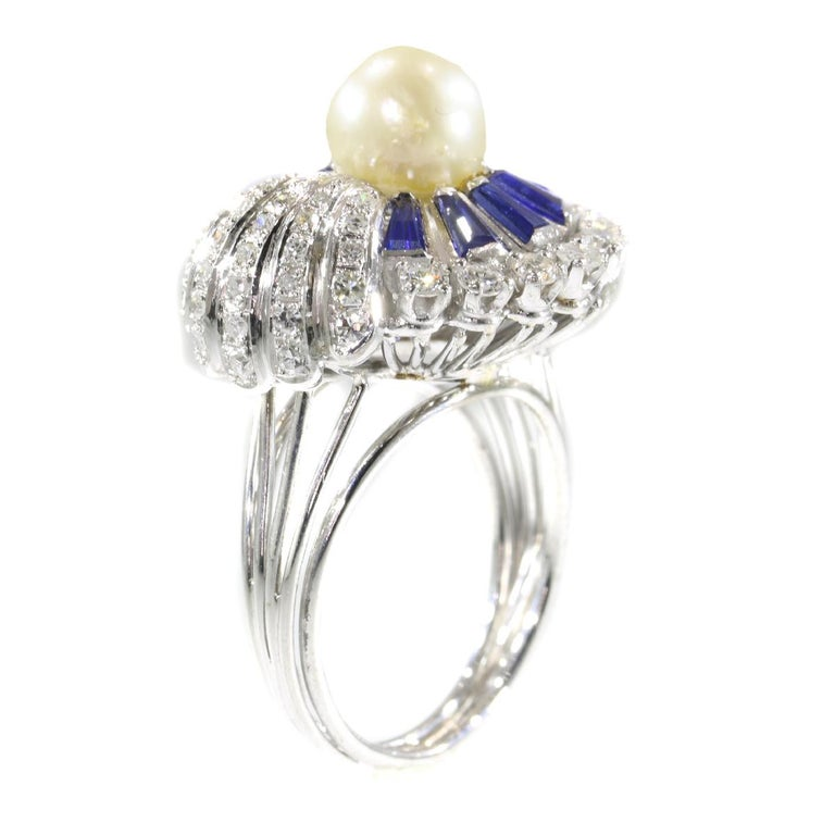 Vintage Platinum Diamond Sapphire and Pearl Cocktail Ring In Excellent Condition For Sale In Antwerp, BE