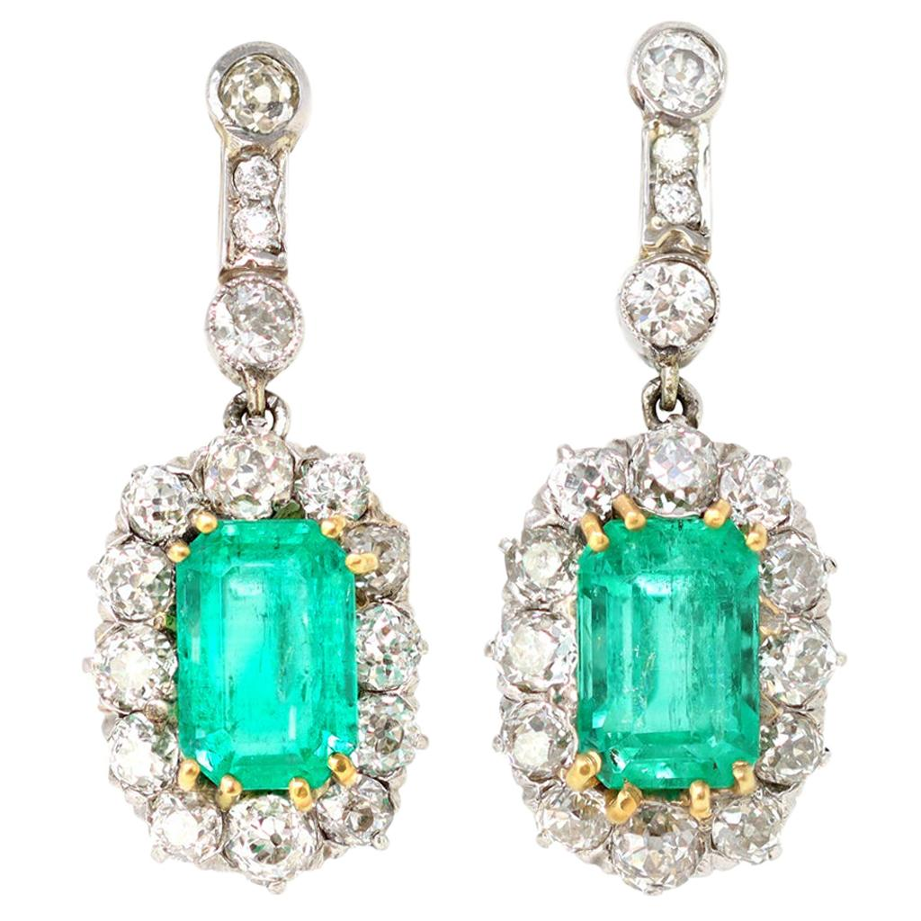 Vintage Platinum on Gold Colombian Emerald and Diamonds Clip-On Earrings