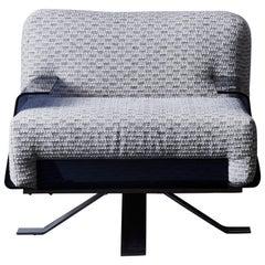 Vintage plexiglass armchair at cost price.