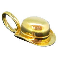 Vintage Pomellato Bowler Hat 18 Karat Yellow Gold Charm Pendant