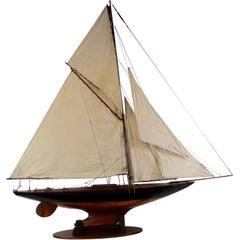 Vintage Pond Yacht Hornet