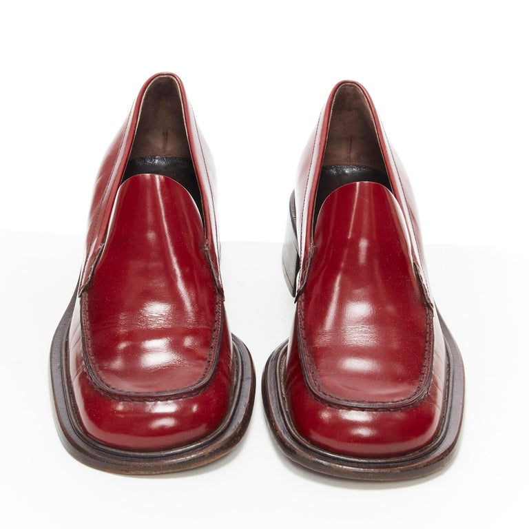 Brown vintage PRADA red polished leather square toe chunky heel loafer EU34.5 For Sale