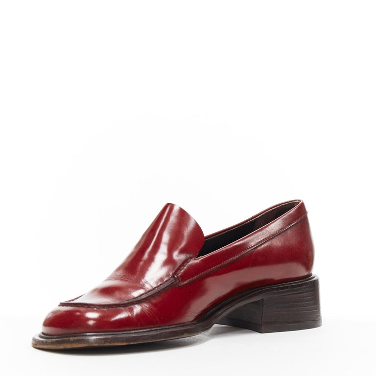 vintage PRADA red polished leather square toe chunky heel loafer EU34.5 In Good Condition For Sale In Hong Kong, NT