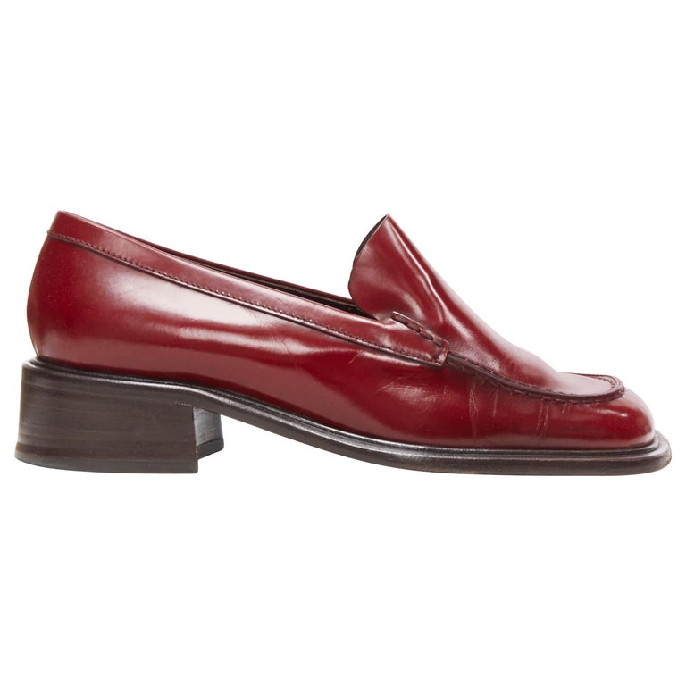 vintage PRADA red polished leather square toe chunky heel loafer EU34.5 For Sale