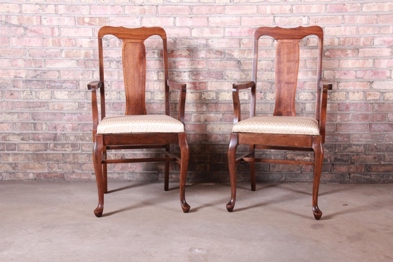 20th Century Vintage Queen Anne Mahogany Armchairs, Pair For Sale