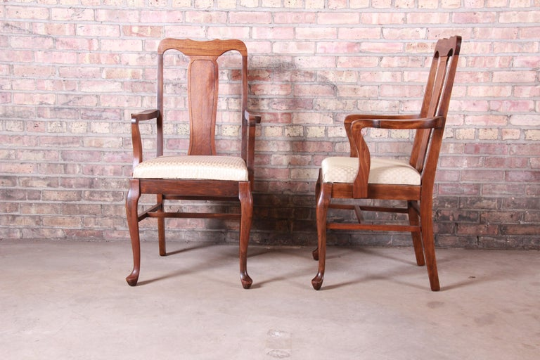 Vintage Queen Anne Mahogany Armchairs, Pair For Sale 1