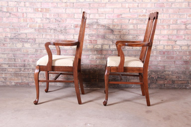 Vintage Queen Anne Mahogany Armchairs, Pair For Sale 2