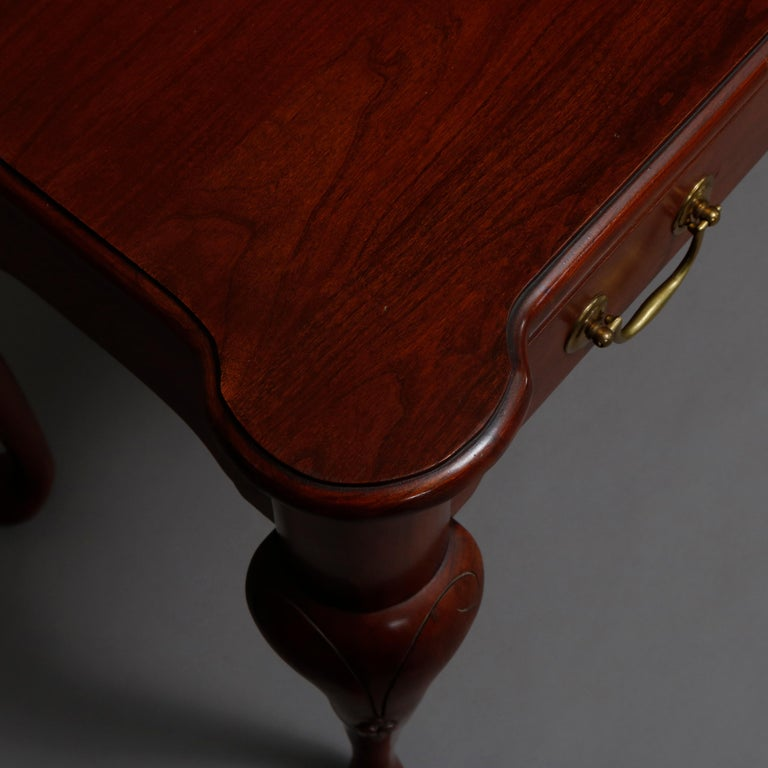Vintage Queen Anne Style Mahogany Sofa Table by Harden, 20th Century For Sale 1