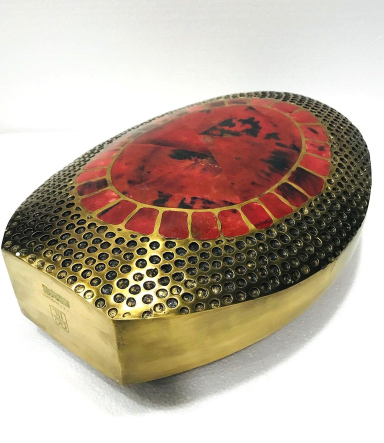 Vintage R & Y Augousti Solid Bronze Vase with Pen Shell Inlays in Red and Black For Sale 3