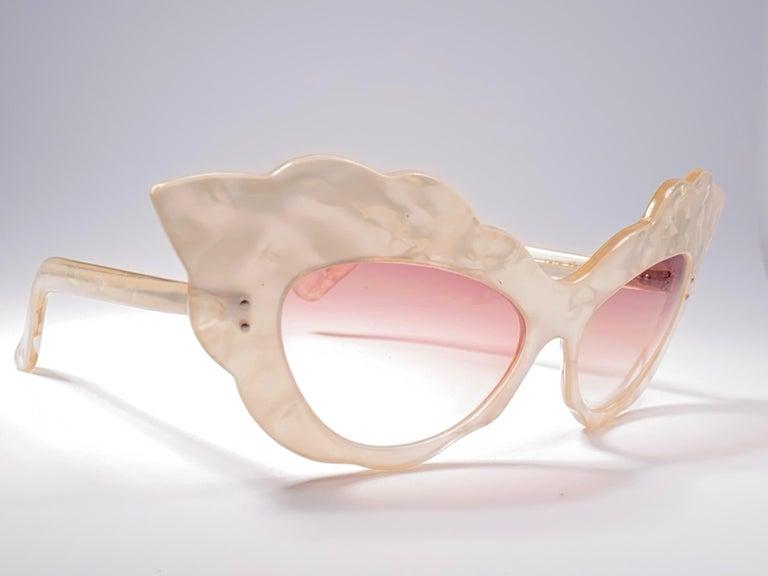 Vintage Rare Alain Mikli AM14 Mother of Pearl Cat Eye France Sunglasses 1988 For Sale 1