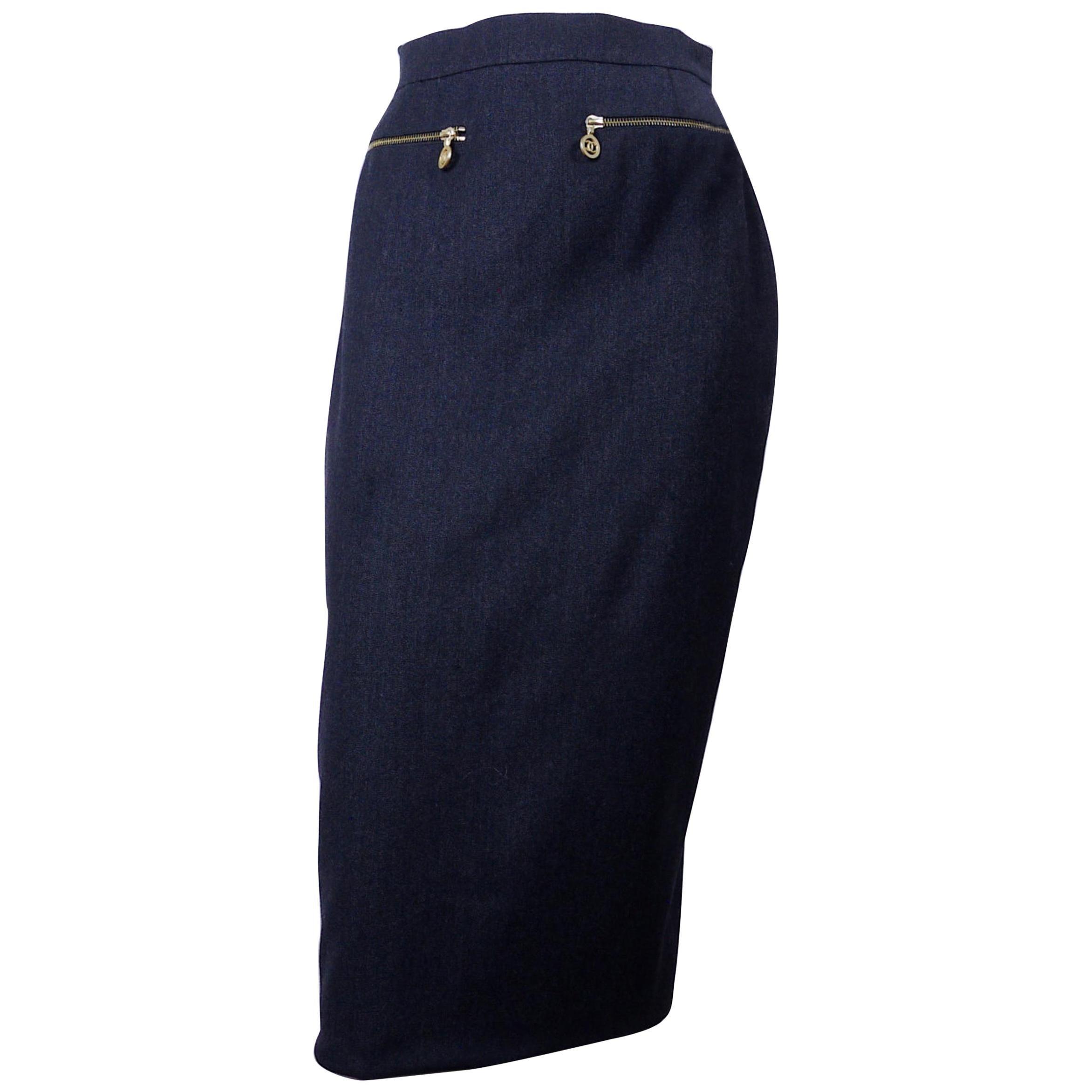 Vintage RARE CHANEL CC Medallion Zippered Pencil Skirt